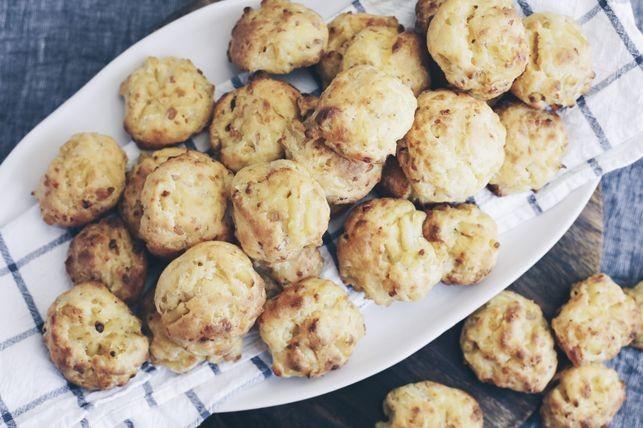 Mac 'N' Cheese Puffs