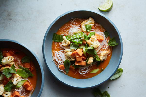 Thai Noodle & Coconut Vegetable Soup